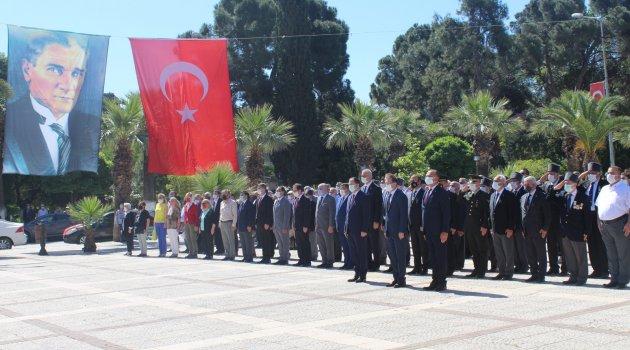 19 Mayıs Atatürk'ü Anma, Gençlik ve Spor Bayramı törenle kutlandı.