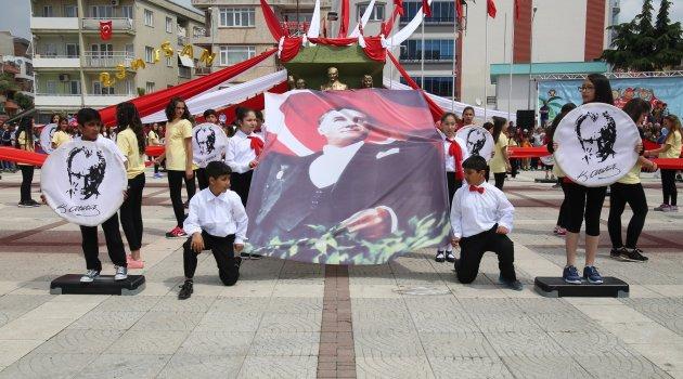 Turgutlu'da 23 Nisan Coşkuyla Kutlandı