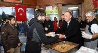Turgutlu Belediyesi Öğrencilere Yemek Desteğini Sürdürüyor