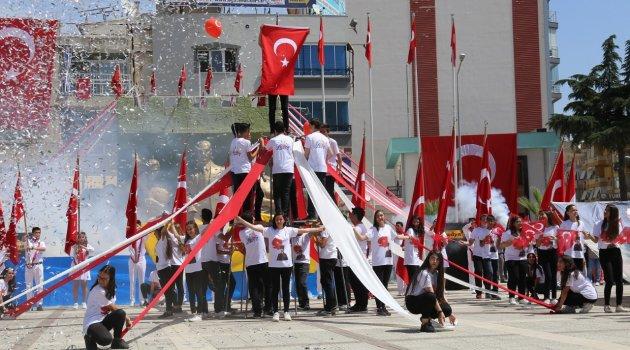 Turgutlu 19 Mayıs'ı Coşkuyla Kutladı
