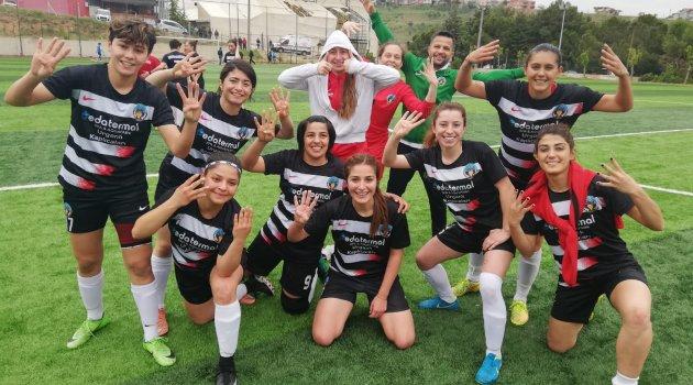 Turgutlu Belediyesi'nin Altın Kızları 2. Lig Kapısını Araladı